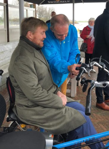 Koning Willem Alexander op bezoek bij Fietsmaatjes